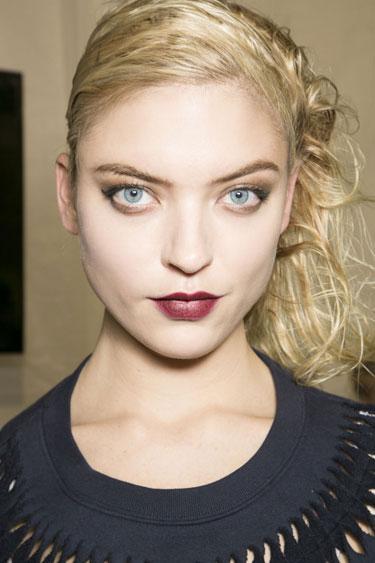 hbz-fw13-makeup-trend-wine-hued-lips-01-Vuitton-bks-A-RF13-9636-lgn