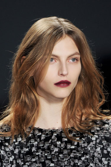 hbz-fw13-makeup-trend-wine-hued-lips-Vera-Wang-clp-RF13-4679-lgn