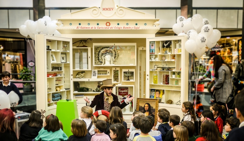 Gabinete de la curiosidad. Creación de objetos curiosos para despertar la intriga de los niños. Hecha para el Colegio Ramón y Cajal de Madrid.