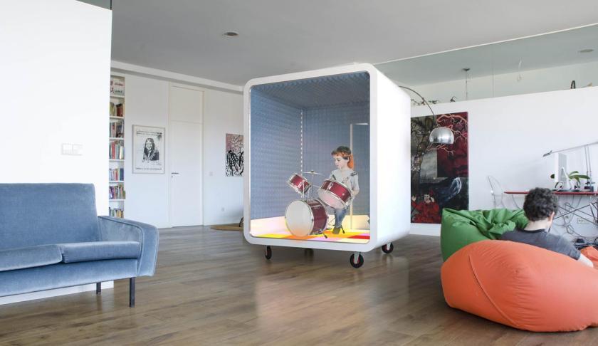 Music Box- Es un mueble pensado para los niños con auténtica vocación musical. Los principios son duros y hay que conseguir que el pequeño Jimmy Hendrix pueda practicar sin volver locos a los demás miembros de la familia.