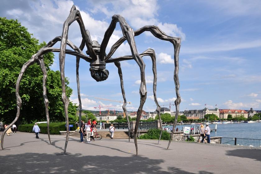 Bürkliplatz_-_Louise_Bourgeois'_'Maman'_-_Alpenquai_2011-06-15_16-51-38.jpg